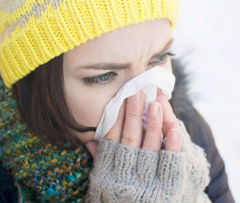 Egal unter welchen Erkältungssymptomen Sie leiden, ob eine laufende oder verstopfte Nase, Druck in den Nasennebenhöhlen oder Niesen, das passende Otriven-Produkt kann Ihre Symptome lindern.