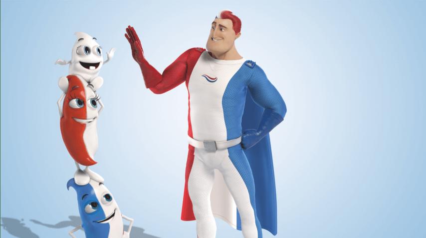 Der Superheld  von Odol-med3 gibt Milky, die auf Billys und Lillys Schultern steht, ein High Five.