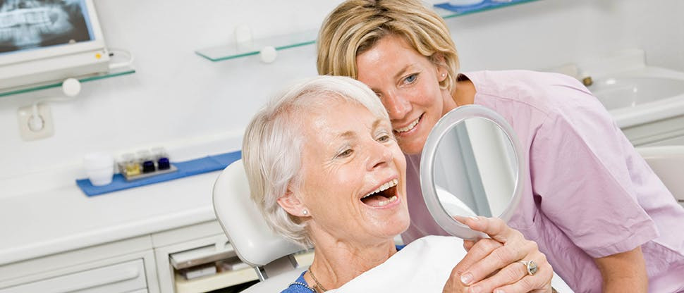 Un patient et son dentiste