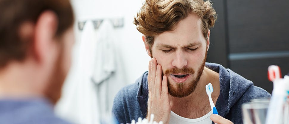 Зубные щетки подразделяются на жесткие