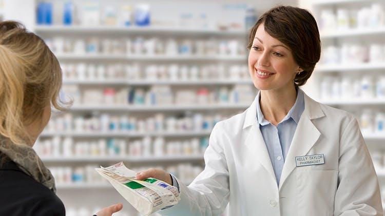 Фармацевт и пациент