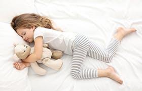 Sonno dei bambini: benefici e consigli per genitori - Narhinel