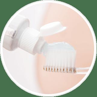 Comment puis-je traiter mes dents sensibles ?
