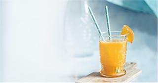 Zure drankjes kunnen het glazuur op je tanden aantasten