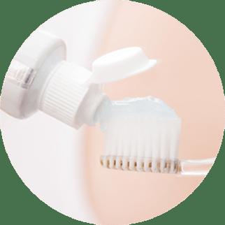 Как лечить чувствительность зубов?