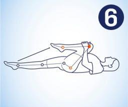 Llevar la rodilla al pecho