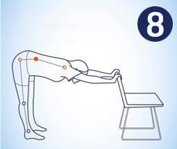 Hacer estiramiento vertical para la espalda alta, baja y hombros